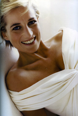 Princess Diana's Dresses Auction Is Only A Week Away ...