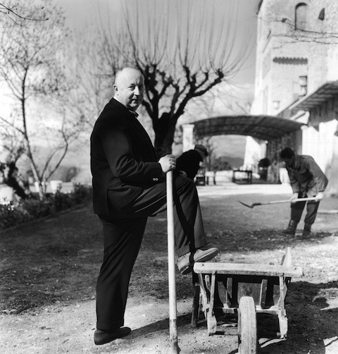 00/00/1957. Christian Dior Portraits by Lord Snowdon